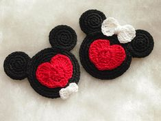 Mickey and Minnie Mouse crochet pattern Enamored Mickey and
