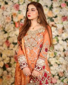 Pakistani Frocks, Simple Pakistani Dresses, Pakistani Dress Design, Indian Dresses, Pakistani Fashion Party Wear, Pakistani Wedding Outfits, Pakistani Wedding Dresses, Stylish Dresses For Girls, Casual Dresses