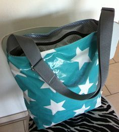 Zuckerbohne: Wachstuch-Tasche - List of the most creative DIY and Crafts Making Scarves, No Sew Fleece Blanket, Stash Fabrics, Diy Accessoires, Textiles, Bag Making, Fabric Crafts, Thrifting, Purses And Bags