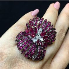 #Ruby and #Diamond #Ring by @stefan_hafner_jewelry via @miamoon.jewellers.