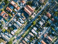 Drone view of the suburban neighborhood at South Redondo, Redondo Beach, California, United States Ground School, Living In Dallas, Dallas Real Estate, Mapping Software, Construction, Mortgage Rates, California Homes, Aerial Photography, New Wave