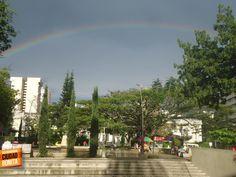 Como era de esperarse después de un fin de semana lluvioso, los arcoiris florecen... hoy es el día oficial de los arcoiris en Bucaramanga Ciudad Bonita. Gracias Holman Eduardo (https://www.facebook.com/holman.e.duarte) por compartir esta foto.