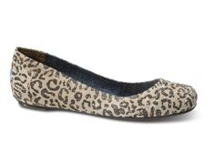 TOMS has ballet flats? Someone is going shopping tomorrow!