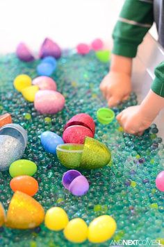 Looking for Easter sensory bin ideas for your preschool or kindergarten kids? Try this simple Easter sensory bin with lavender scented water beads and plastic eggs. It's really fun to play with! Sensory Activities For Autism, Easter Activities For Kids, Sensory Play, Infant Activities, Crafts For Kids, Sensory Diet, Kindergarten Sensory, Nanny Activities, Preschool Education