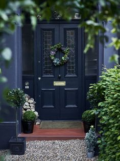 Super stiffkey blue front door country style ideasSuper stiffkey blue front door country style Ideas style doorTraditional Front Door With Stained Glass and Ironmongery Traditional Front Door With Stained Glass and Brass Front Door Porch, Front Door Entrance, House Front Door, Glass Front Door, Front Door Decor, Entry Doors, Country Front Door, Front Door Design, Front Door Colors