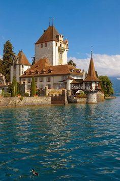 Oberhoffen Castle, Lake Thun, Switzerland ~ Blogger Pixz