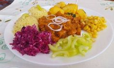 Cobb Salad, Curry, Rice, Vegetarian, Ethnic Recipes, Food, Red Peppers, Kalay, Curries