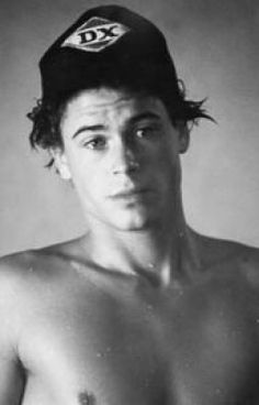 "Sodapop Curtis from ""The Outsiders."" Rob Lowe in his younger years Cute Celebrity Guys, Cute Celebrities, Celebrity Crush, Celebs, The Outsiders Sodapop, The Outsiders 1983, 80s Movies, I Movie, Movie Stars"