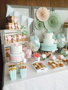 Bautizos y baby shower - Dulce Dorotea Candy Table, Candy Buffet, Dessert Table, Bar Deco, Ideas Para Fiestas, Fiesta Party, Baby Boy Shower, Unisex Baby Shower, Shower Party