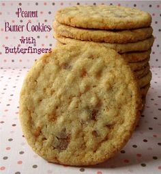 Chocolate, Chocolate and more...: Peanut Butter Cookies w/ Butterfingers