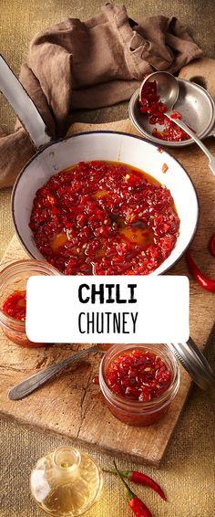 Aufgepasst, hier kommt die scharfe, rote Schwester des allseits beliebten indischen Mango-Chutneys: unser super scharfes Chili-Chutney aus dem REWE Rezept! Unglaublich lecker zu gebratenem oder gegrilltem Fleisch und selbstgemachtem Naan-Brot! Das Chutney können Sie auch perfekt vorbereiten. https://www.rewe.de/rezepte/chili-chutney/