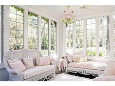 Bloomfield Hills, MI: http://www.househunt.com/MI/Bloomfield_Hills/