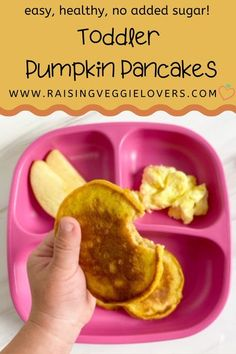 Veggies for breakfast? Yes! These Toddler Pumpkin Pancakes are delicious, healthy, and have no added sugar. #babyfoodrecipes #babyledweaning #babyfingerfood #toddlerfingerfood #healthybabyfoodrecipes #healthytoddlerfoodrecipes #healthypancakes #pumpkinpancakes