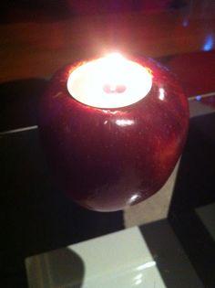 Maçã com vela. Visite o meu BLOG: saulrogerioartesanato.blogspot.pt
