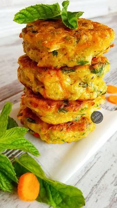 29 Mucver Presentation Ideas For Vegetable Lovers - Vegeterian - Turkish Turkish Recipes, Ethnic Recipes, Salmon Burgers, Lunch Recipes, Food Art, Side Dishes, Brunch, Food And Drink, Appetizers