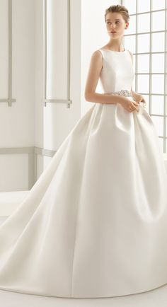 Rosa Clará Wedding Dresses Collection 2016 | http://www.tulleandchantilly.com/blog/rosa-clara-wedding-dresses-collection-2016/