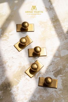 Queslett has a classic New England look, the perfect brass hardware choice for kitchen and utility cabinets. This range consists of two knobs, with a choice of a square or rectangular backplate & a pull handle to decorate cabinets, alongside the option of a knob without a backplate for a more simplistic look. Comes in over 20 finishes to transform doors and drawers in an instant. Brass Cabinet Hardware, Kitchen Cabinet Handles, Luxury Kitchen Design, Luxury Kitchens, Utility Cabinets, Farrow And Ball Paint, Painting Cabinets, Kitchen Layout, Rustic Style