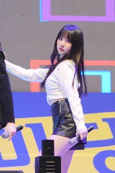 Asian Woman, Asian Girl, Jung Eun Bi, Hair Again, G Friend, Pin Up, The Unit, Kpop, Long Hair Styles
