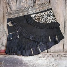 New S-M MEDICINE VINE Ruffle Skirt: Silver Tribal Belly