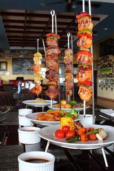 Yummy-licious Estepadas at Al Fresco, The Magellan Sutera Resort. Pub Food, Cafe Food, Food Platters, Food Dishes, Gourmet Recipes, Cooking Recipes, Detox Recipes, Barbecue Restaurant, Creative Food