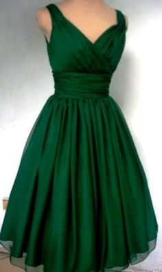 Emerald green chiffon dress with V neckline and back. (Want in red) A lovely gown that has made beautiful proms dresses, bridesmaids gowns and alternative wedding dresses!