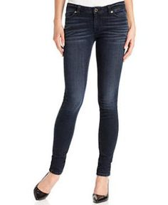 Whether you're a petite who's short and curvy, or small all over, we've got suggestions for the jeans brands and styles to flatter your petite body type. Plus get shopping tips, and find out what to avoid.: Petite Slender: Skinny Jeans