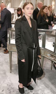 Ashley Olsen Goes Sleek In Black At A Bergdorf Goodman Event