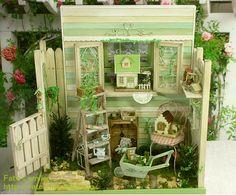 How cute...a dollhouse in a mini room box (RM)