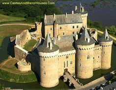 Château de Suscinio (or de Susinio),  Sarzeau, Morbihan, Brittany, France....     www.castlesandmanorhouses.com    ....     The Château de Suscinio dates from the beginning of the 13th century. It was built as a residence of the Dukes of Brittany. It was enlarged at the end of 14th century, when the heirs of the duchy were fighting to keep their possessions (Brittany was not annexed by France until 1514).