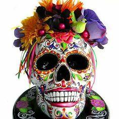 Day of the Dead skull cake...fantastic !!!