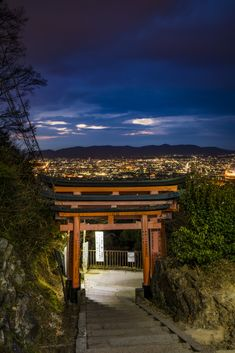 Fushimi Inari Shrine at Night: Kyoto, Japan Tips - Japan Guide, Japan Travel Tips, Kumamoto, I Want To Travel, Trip Planning, Exterior Design, Travel Photography, Around The Worlds, Outdoor Structures