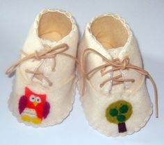 Baby Booties /  Baby Shoes  Owl and Apple by WithHugsandKisses, $17.49