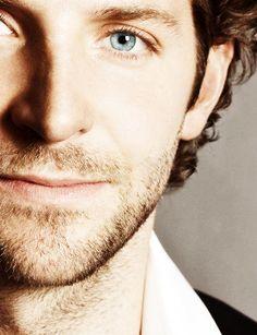 Bradley Cooper's Eyes😍😍😍 Beautiful Eyes, Gorgeous Men, Beautiful People, A Star Is Born, Raining Men, Christina Hendricks, Girl Photos, Sexy Men, Eye Candy