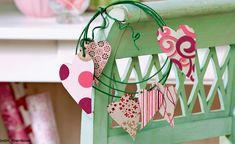 Die schönsten DIY-Tipps zum Valentinstag Advent Calendar, Diy And Crafts, Holiday Decor, Home Decor, Valentines Day, Tips, Gifts, Decorations, Basteln
