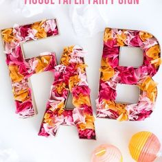 Projects with tissue paper are so easy but so beautiful! In combination with modge podge you can make a lot of pretty things with them. Flowers...