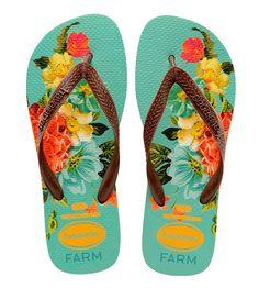 E a floral! Cada par custa R$ 54 e está disponível nas lojas da Farm e no e-commerce da marca a partir da 2ª quinzena de novembro