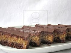 Rumový ořechově kakaový řez, recept Czech Recipes, Rum, Kakao, Banana Bread, Food And Drink, Sweets, Cooking, Hampers, Dios