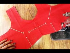 From this video you can learn how to make lining blouse Stitching. We teach lining blouse Stitching in Tamil language easily. Lining Blouse Stitching clear e. Denim Bag Patterns, Dress Sewing Patterns, Pattern Sewing, Hand Sewing Projects, Sewing Tutorials, How To Stitch Blouse, Blouse Tutorial, Churidar Neck Designs, Border Embroidery Designs