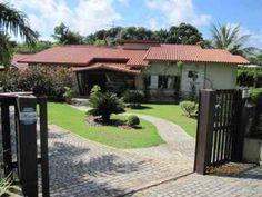 Linda casa à venda em Condomínio de altíssimo padrão, com um total de 500m2 de área construída, Lauro de Freitas, Bahia, Brasil.