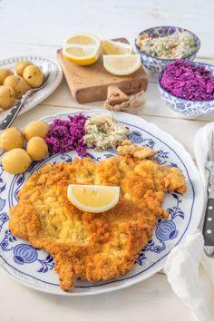 Sznycel wiedeński - najsłynniejszy kotlet na świecie - Madame Edith Curry, Meat, Chicken, Dining, Ethnic Recipes, Food, Entertaining, Curries, Essen