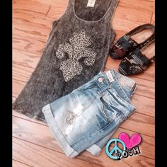Cool Design Bling Tank Top Local Made in USA ☮ Very Cool Graphic Design Gray/Black with Bling Fitted Tank Top ☮ Size M ☮ Perfect Condition ☮ ✌️Price is Firm unless Bundled for further Discount✌. ️NO TRADE Local Made in USA Tops Tank Tops