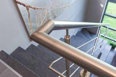 Mooi balustrade in rvs bij trapbekleding in NEWstairs Bluestone decor Bar Stools, Rvs, Furniture, Home Decor, Bar Stool Sports, Decoration Home, Room Decor, Home Furnishings, Bar Stool