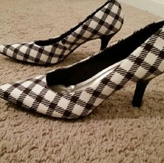 """Black and White Heels Super cute! Black and White pointed toe heels. Heels are approximately 2.5"""" tall. Right heel had minor scuff on the back (see last picture) Shoes Heels"""