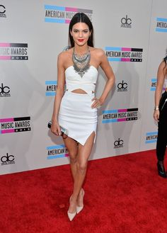 Kendall Jenner: The 2013 American Music Awards American Music Awards, Diy Fashion Hacks, Fashion Tips, Women's Fashion, Mtv, Women Clothing Stores Online, Kardashian Photos, Kardashian Fashion, Vogue