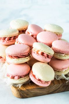 These are my Strawberry Macarons, filled with a delicious Strawberry Cream Cheese Frosting, made with freeze dried strawberries Strawberry Macaron, Chocolate Strawberry Cake, Strawberry Cakes, Freeze Dried Raspberries, Freeze Dried Fruit, Roasted Strawberries, Strawberry Cream Cheese Frosting, Cupcakes With Cream Cheese Frosting, Cream Frosting