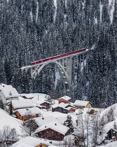 What a beautiful sight and what a train/bridge - Rhätische Bahn on the Viadukt of Langwies, Graubünden, Switzerland by ehutphoto Zermatt, Train Tracks, Train Rides, The Places Youll Go, Places To See, Glacier Express, Beautiful World, Beautiful Places, Last Minute Travel