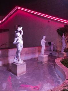 pink, aesthetic, and neon image Vaporwave, Arte Alien, The Rocky Horror Picture Show, Neon Nights, My Pool, Neon Aesthetic, Neon Lighting, Kitsch, Oeuvre D'art