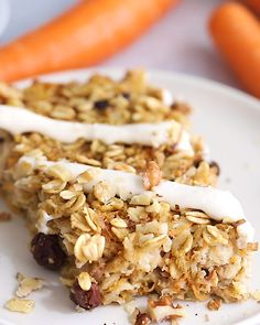 Carrot Cake Baked Oatmeal Eating Bird Food is part of Baked oatmeal recipes - This carrot cake baked oatmeal is fancy enough to serve for a special brunch, but easy and healthy enough to make for your weekly meal prep Glutenfree Clean Eating Snacks, Healthy Snacks, Healthy Recipes, Healthy Baking, Eating Healthy, Easy Recipes, Gourmet Recipes, Cooking Recipes, Baked Oatmeal Recipes