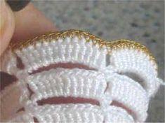 Horgolásról csak magyarul.: ANGYALKA RÉSZLETES LEÍRÁSSAL Crochet Edging Patterns, Knitting Patterns, Pink Rose Croche, Crochet Angels, Asymmetrical Design, Crochet For Beginners, Christmas Angels, Knitting Projects, Mittens