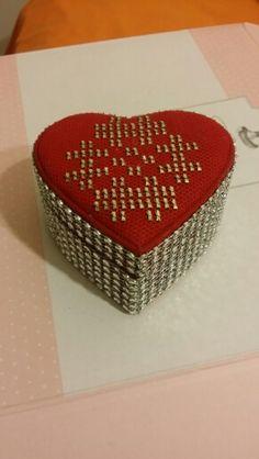 Tel kırma kalpli kutu